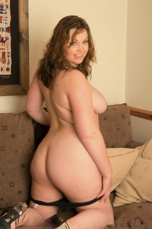 Undressing Chubby Pics
